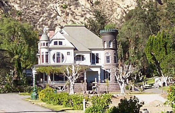 Piru Mansion